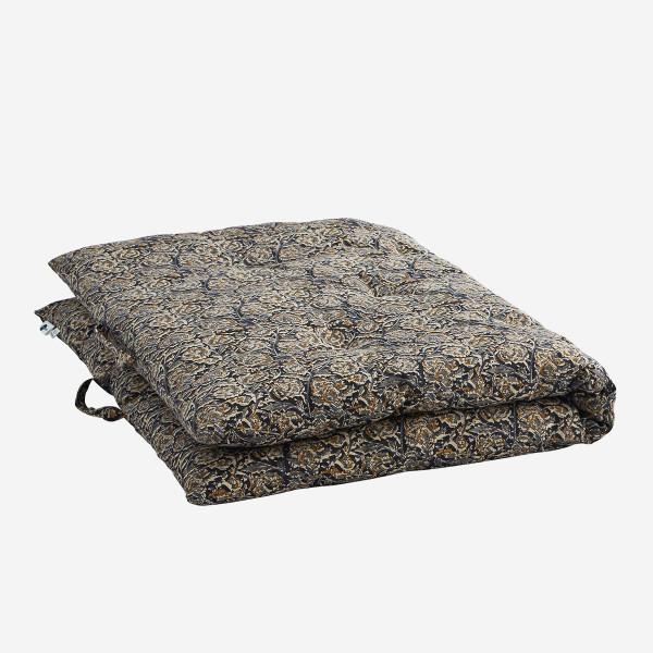 Madam Stoltz Matratze aus Baumwolle bedruckt